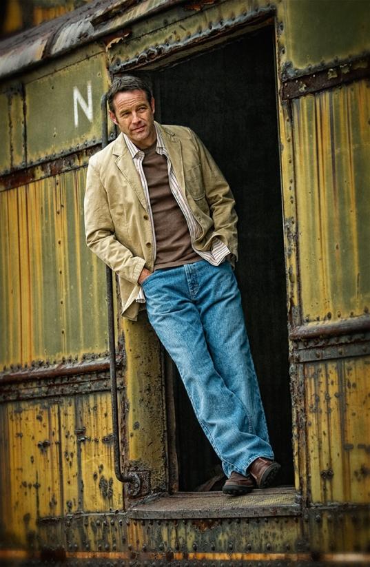 train-door-fashion