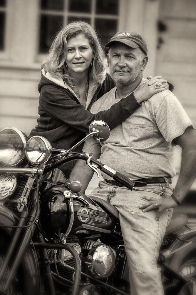 antique bike couple