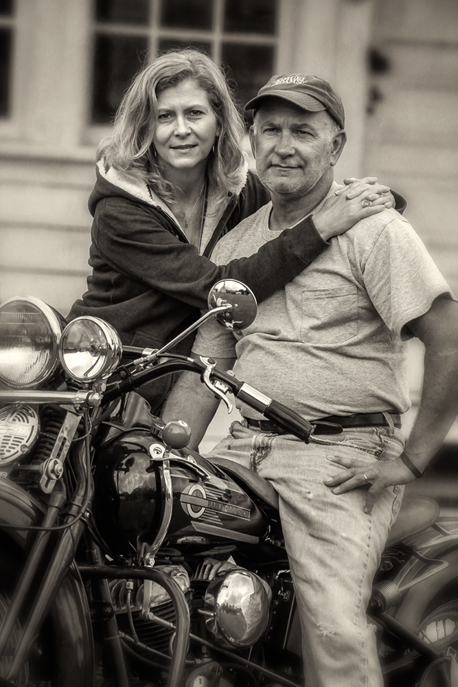 antique bike couple