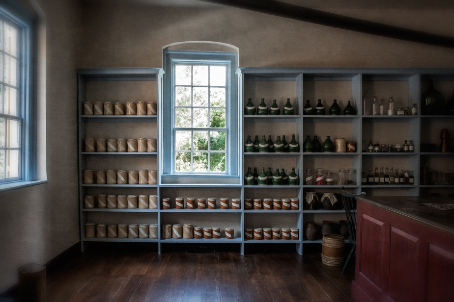 apothecary_old salem