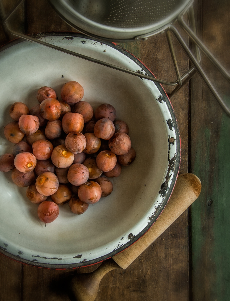 persimmons_colander