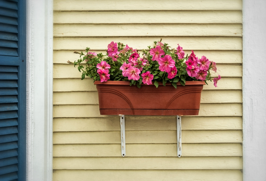 woodstock_vt_flower box_horiz