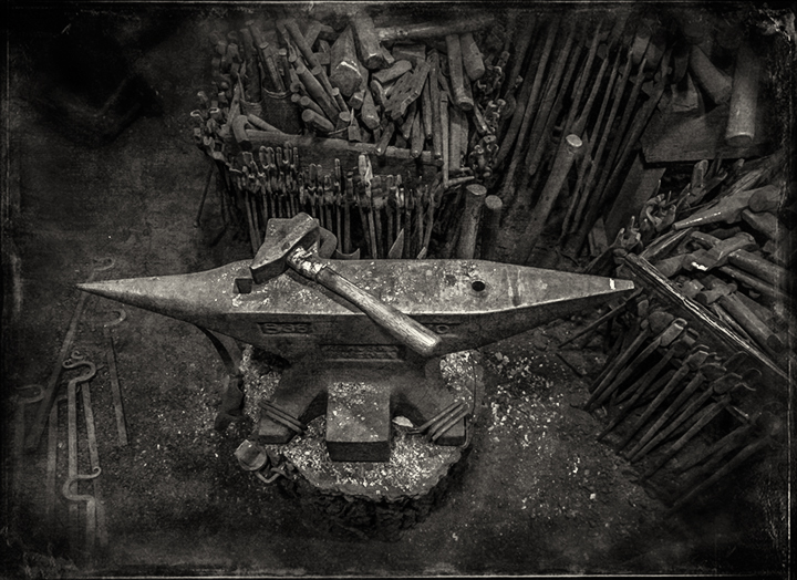 blacksmith anvil_2_bw