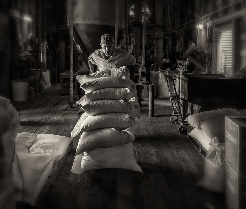 julian milling_rolling bags_03