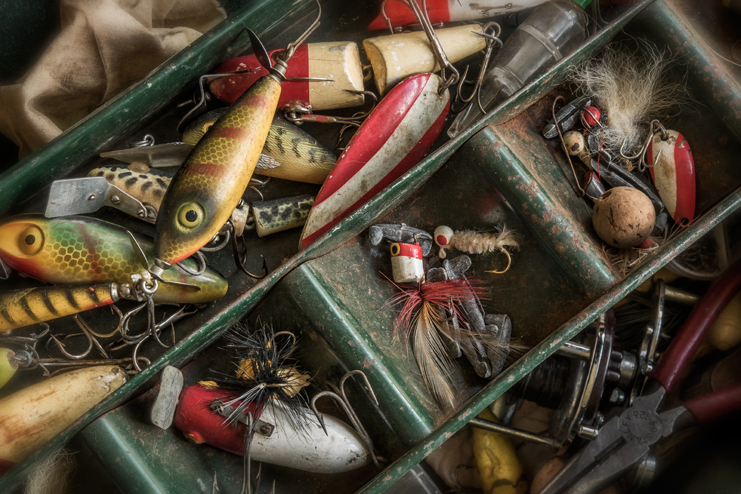 tackle box_closeup_03
